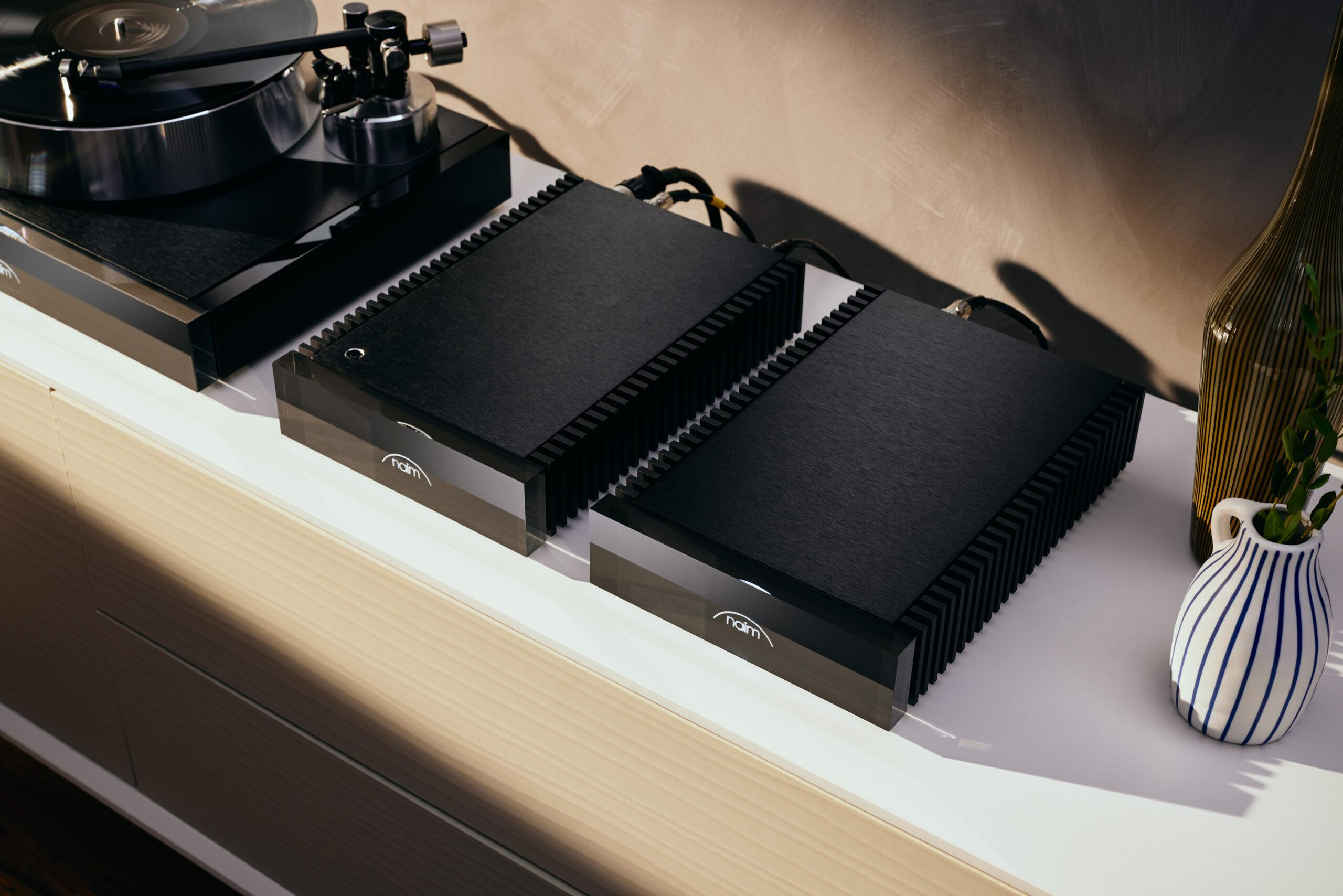 Vinyl-lovers can now finally enjoy the full Naim Audio experience with the launch of Solstice, the first turntable in the British brand's almost 50-year history.