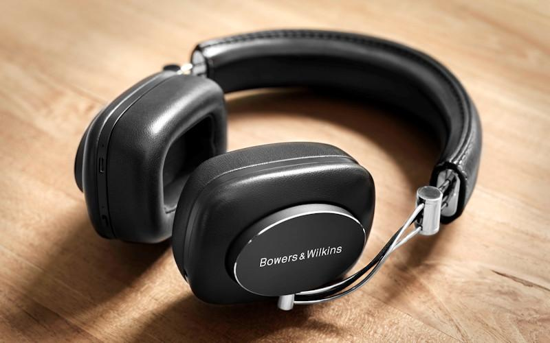 Bowers & Wilkins P7 Wireless Over-the-Ear Headphones Reviewed