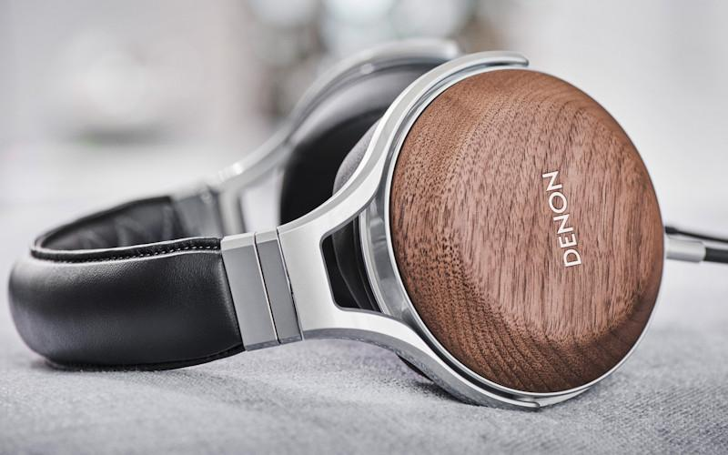 Denon AH-D7200 Over-the-Ear Headphones Reviewed
