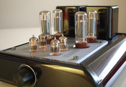 Napa-Acoustic-MT-34-tube-amplifier-large.jpg